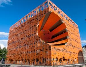 The Orange Cube, Lyon